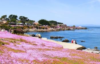 תמונה של Monterey Peninsula Inn בפסיפיק גרוב