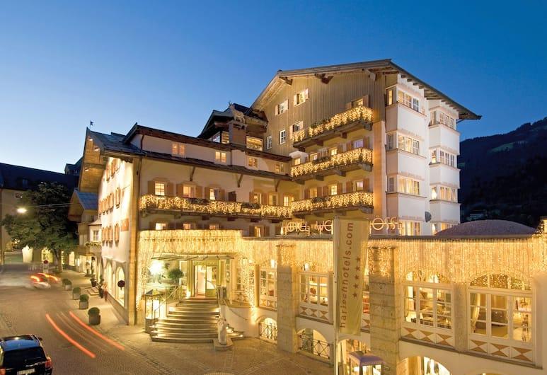 Hotel Weisses Rössl Kitzbühel, Kitzbühel, Hotellets facade - aften/nat