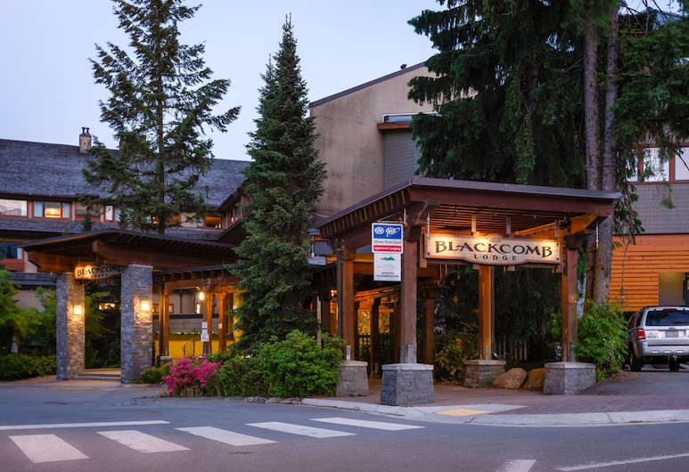The Blackcomb Lodge, Whistler, Front of property