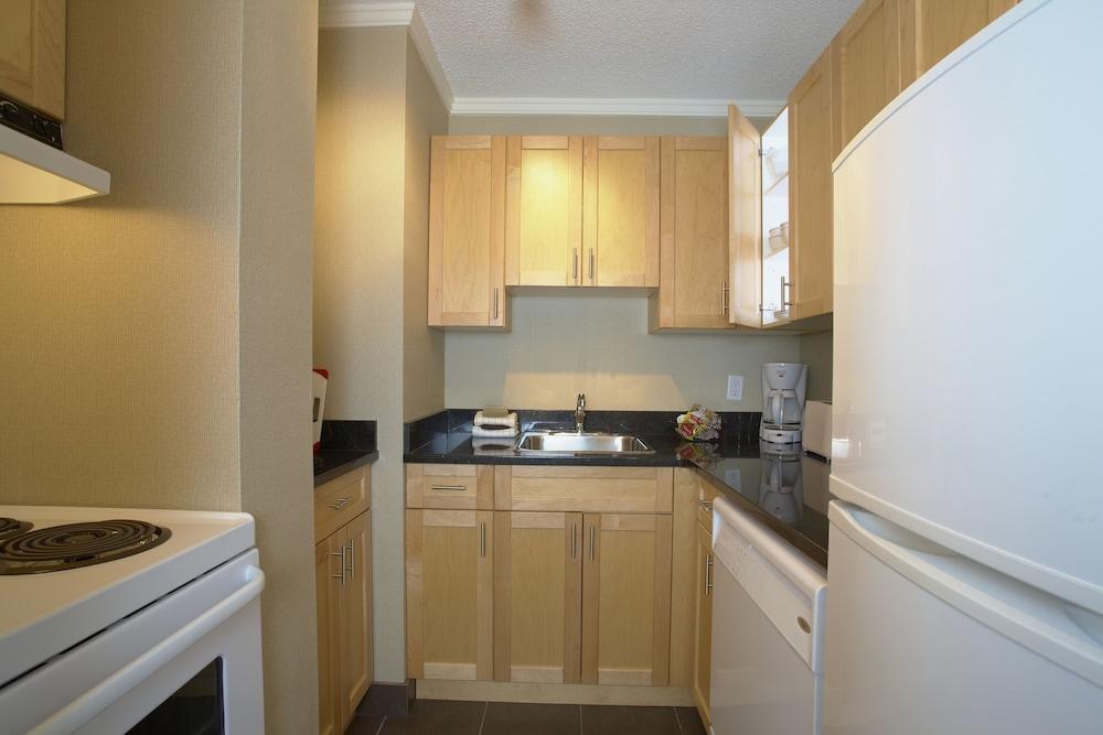 Execsuite Calgary Apartment 1 Bedroom In Room Kitchen