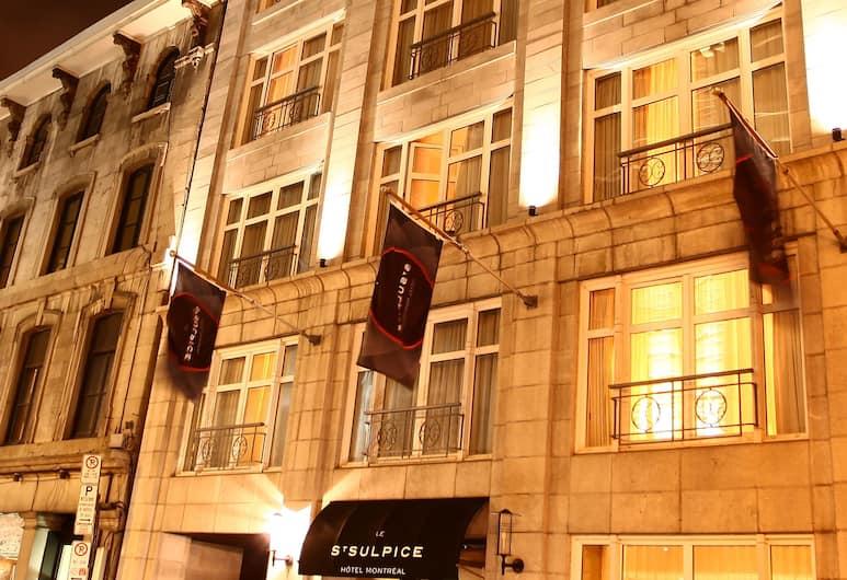 Le Saint Sulpice, Monrealis, Viešbučio fasadas vakare / naktį