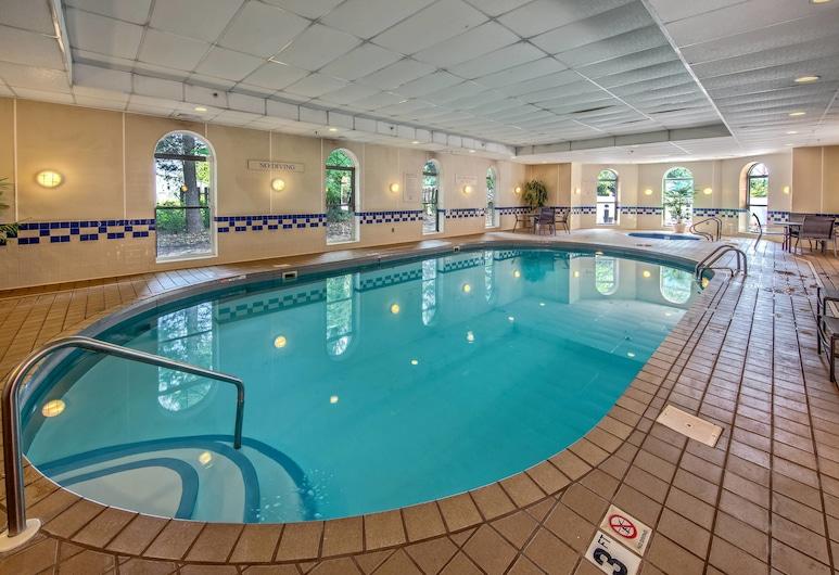 Fairfield Inn & Suites by Marriott Russellville, Russellville, Sport