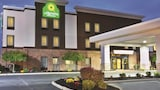 Grove City hotel photo