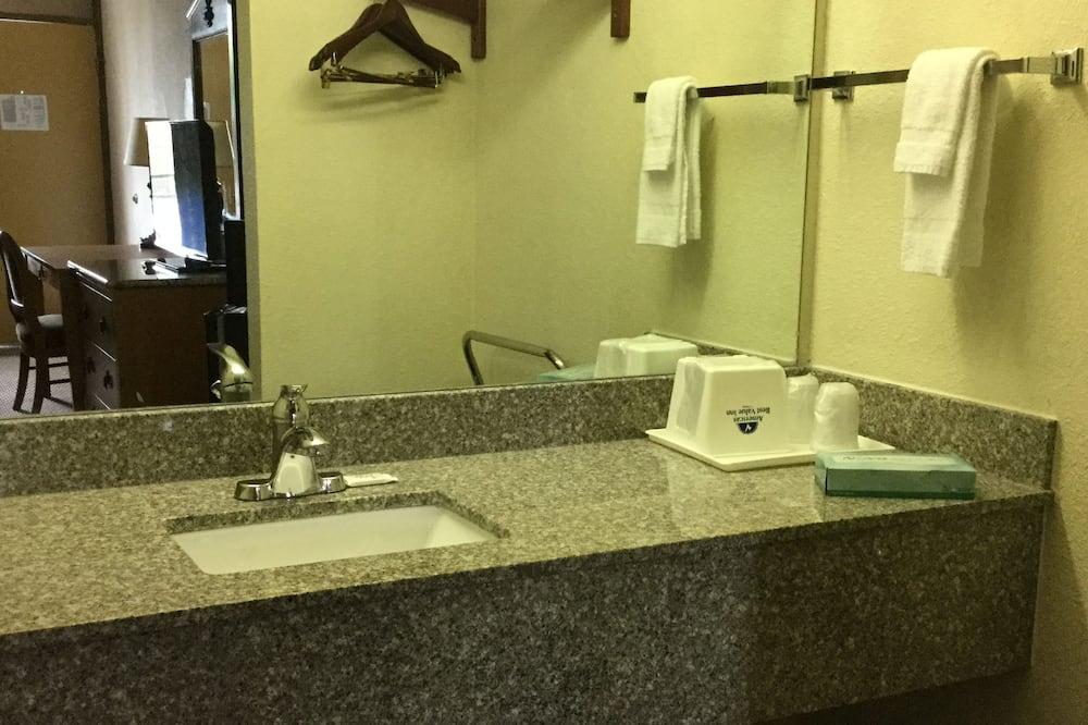 Room, 2 Double Beds, Smoking - Bathroom Sink