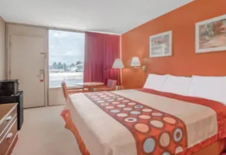 سوبر 8 باي ويندام كارلايل نورث, كارليلس, غرفة عادية - سرير ملكي - للمدخنين, غرفة نزلاء
