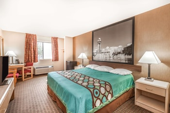 Picture of Super 8 by Wyndham Liverpool/Clay/Syracuse Area in Liverpool