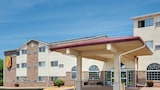 Choose This Super 8 Hotel in Kansas City - Online Room Reservations