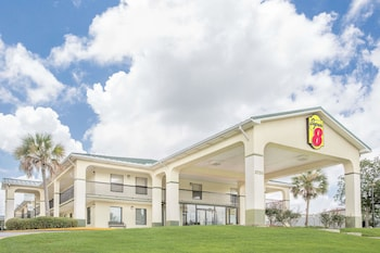 Picture of Super 8 by Wyndham Mobile in Mobile