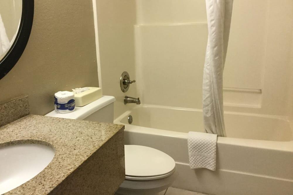 Double Room, 2 Double Beds, Smoking - Bathroom