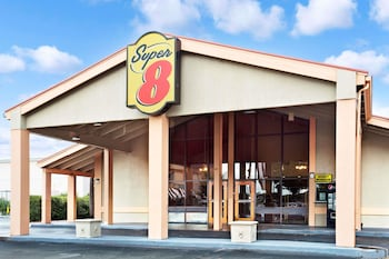 ภาพ Super 8 by Wyndham Kissimmee/Maingate/Orlando Area ใน คิสซิมมี