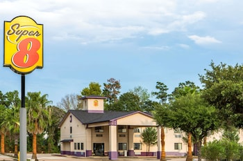 Picture of Super 8 by Wyndham Cleveland TX in Conroe
