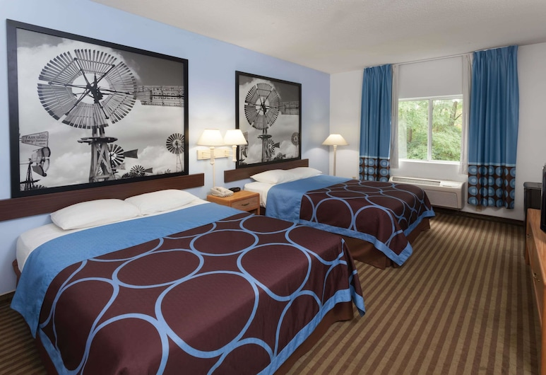 Super 8 by Wyndham Huntington, Huntington, Standard Room, 2 Queen Beds, Guest Room