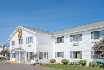Picture of Super 8 by Wyndham Canandaigua in Canandaigua