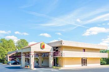 Picture of Super 8 by Wyndham Commerce in Athens
