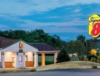 Picture of Super 8 Newcomerstown in Newcomerstown