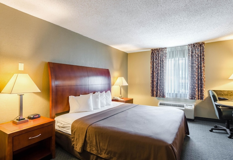 Quality Inn Chicopee-Springfield, Chicopee, Standard Room, 1 King Bed, Non Smoking, Guest Room