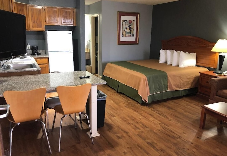 Americas Best Value Inn & Suites Yukon Oklahoma City, Yukon, Suite, 2 Queen Beds, Non Smoking, Kitchen, In-Room Dining