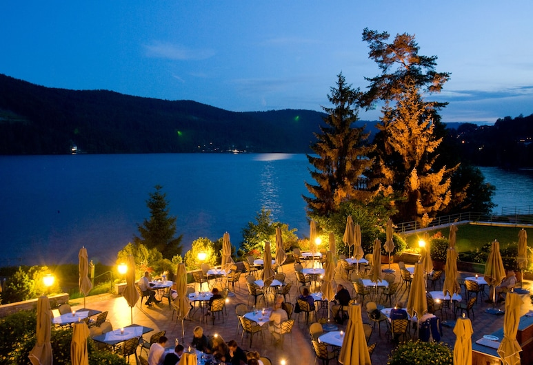 Treschers Romantik Schwarzwaldhotel, Titisee-Neustadt, Restaurang utomhus
