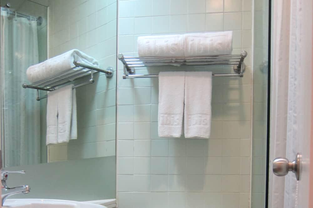 슈피리어 더블룸, 더블침대 1개, 항구 전망 - 욕실