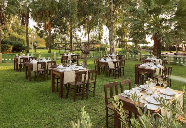 Richmond Ephesus Resort - All Inclusive, Selcuk, Tempat Makan Luar
