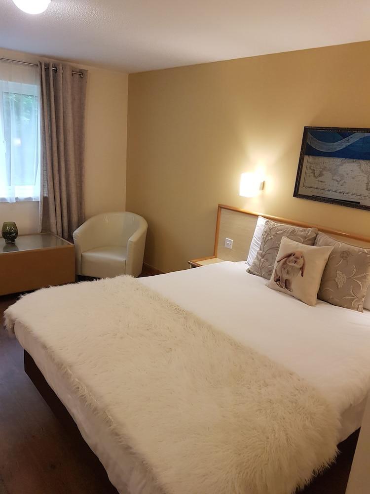Travel Plaza Hotel, Kettering