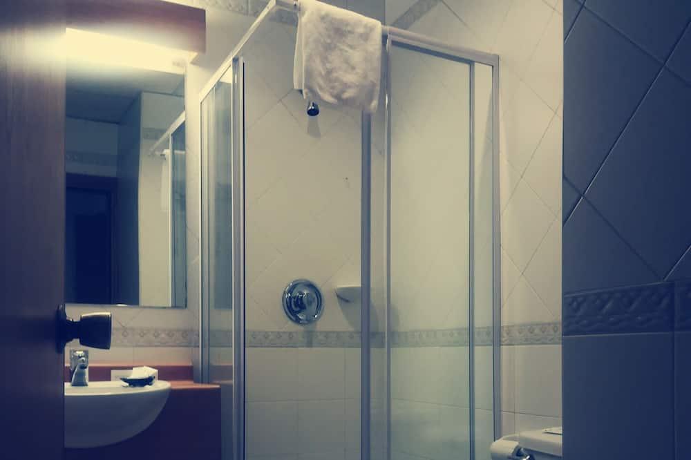 Habitación cuádruple estándar (Standard) - Baño