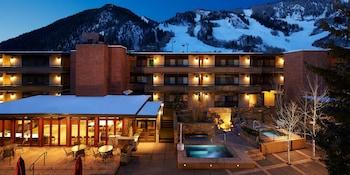 Mynd af Aspen Square Condominium Hotel í Aspen