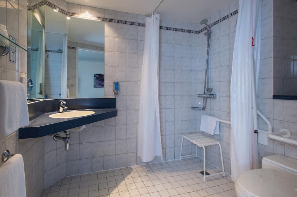 Tuba, 1 kahevoodi, erivajadustele kohandatud, suitsetamine keelatud (Wheelchair) - Vannituba