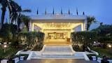 Reserve this hotel in Vadodara, India