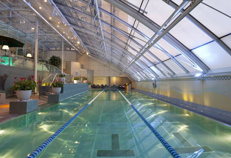 주메이라 칼튼 타워, 런던, 실내 수영장