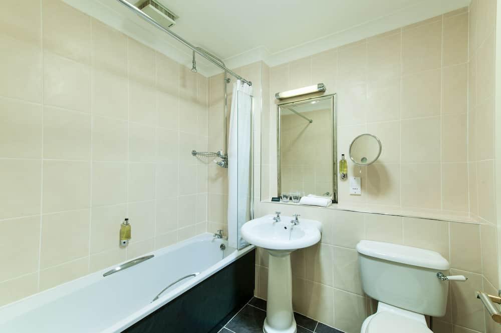 غرفة سوبيريور مزدوجة أو بسريرين منفصلين (Single Use) - حمّام