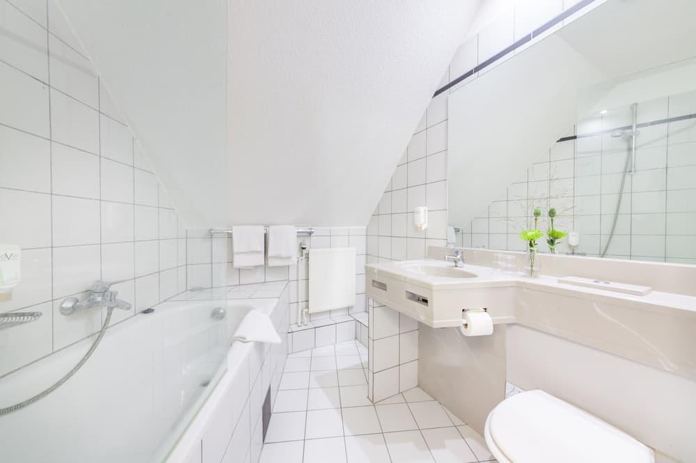Dvivietis kambarys su pagrindiniais patogumais - Vonios kambarys