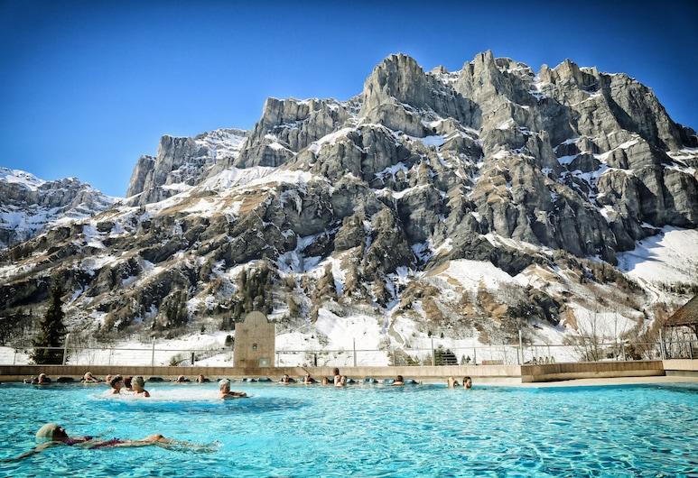 Thermalhotels & Walliser Alpentherme Spa, Leukerbad, Piscina