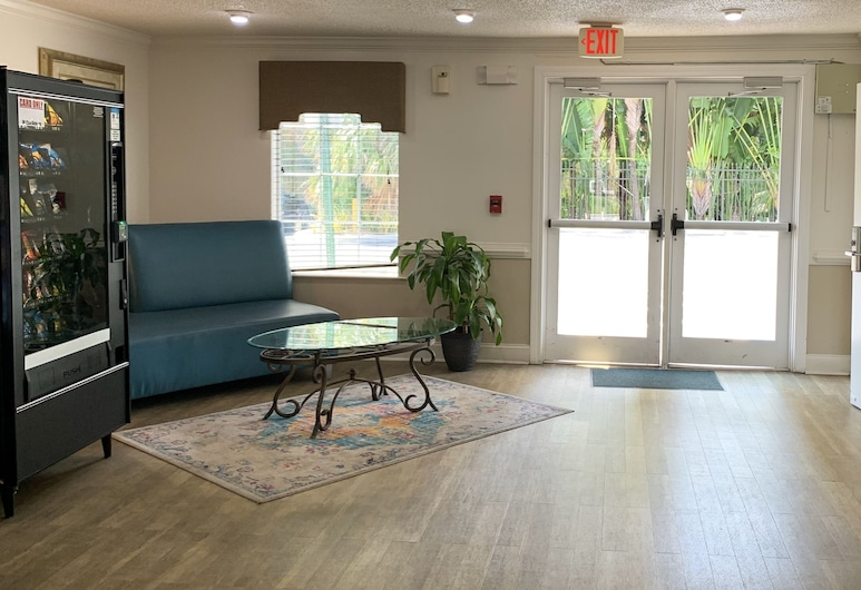 InTown Suites Extended Stay Fort Myers, פורט מיירס, לובי