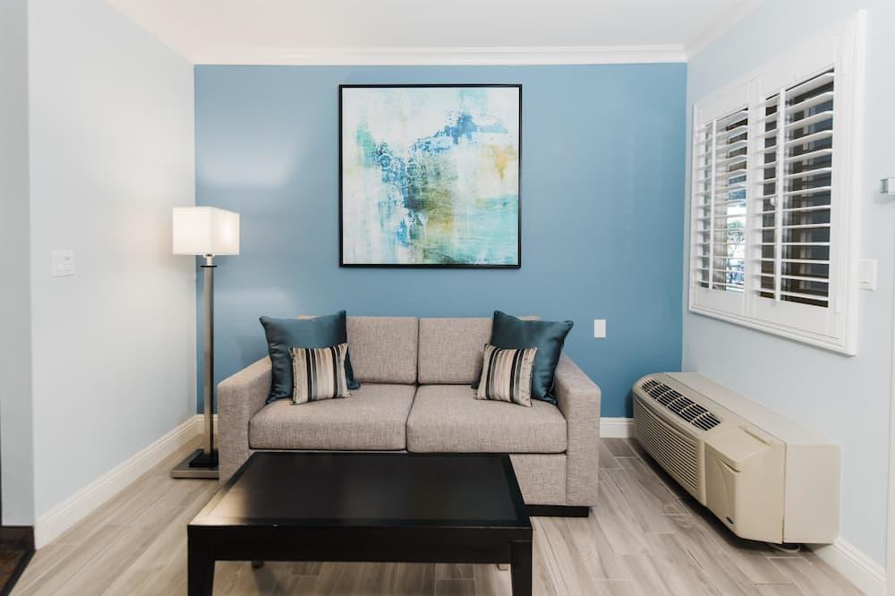 Suite - 1 queensize-seng med sovesofa - ikke-ryger - mikrobølgeovn (with Sofabed) - Opholdsområde