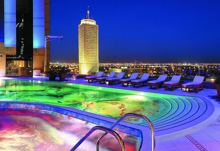 Fairmont Dubai, Dubai, Outdoor Pool