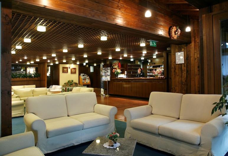 Hotel Les Jumeaux Courmayeur, Courmayeur, Salón lounge del hotel
