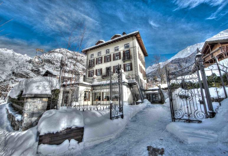 Villa Novecento Romantic Hotel, Courmayeur, Façade de l'hôtel