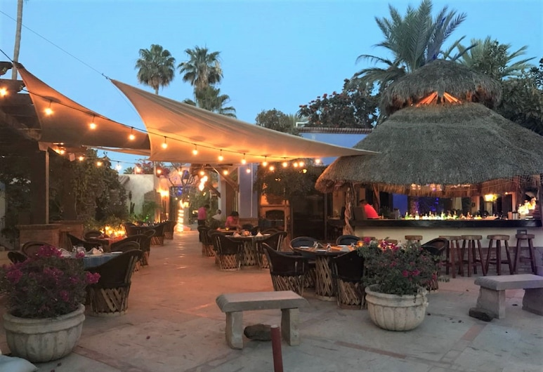 El Encanto Inn & Suites, San Jose del Cabo, Poolside Bar