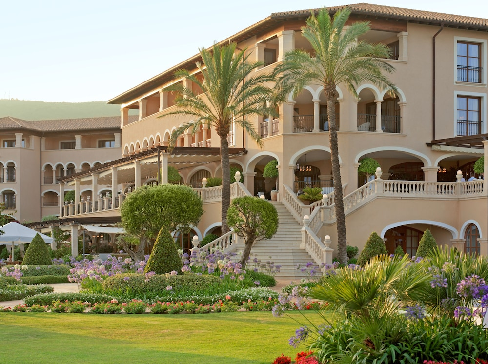 The St. Regis Mardavall Mallorca Resort, Calvia
