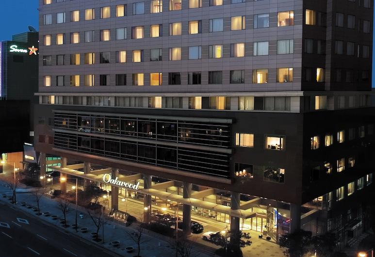 오크우드 프리미어 코엑스 센터, 서울특별시, 숙박 시설 정면 - 저녁