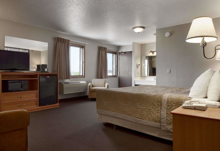 Super 8 by Wyndham Sioux Falls/41st Street, Sioux Falls, Standard Room, 1 King Bed, Guest Room