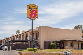 Picture of Super 8 by Wyndham Barstow in Victorville