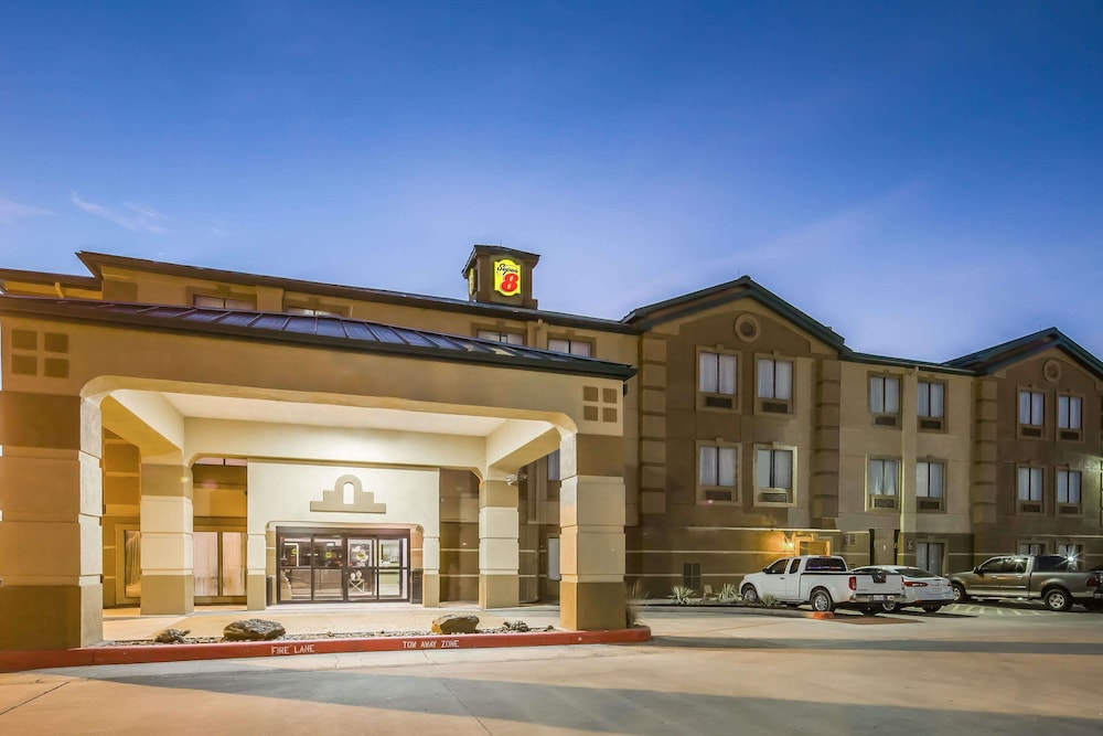 Super 8 By Wyndham Port Arthur Nederland Area