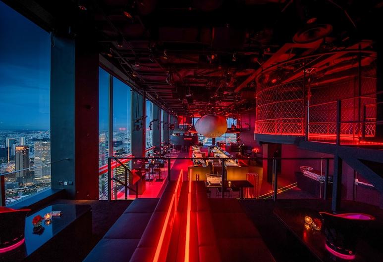 Fairmont Singapore, Singapore, Nočný klub