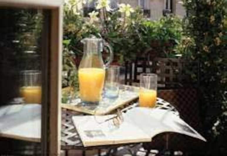 Hotel Unic Renoir Saint Germain, Paris, Açık Havada Yemek