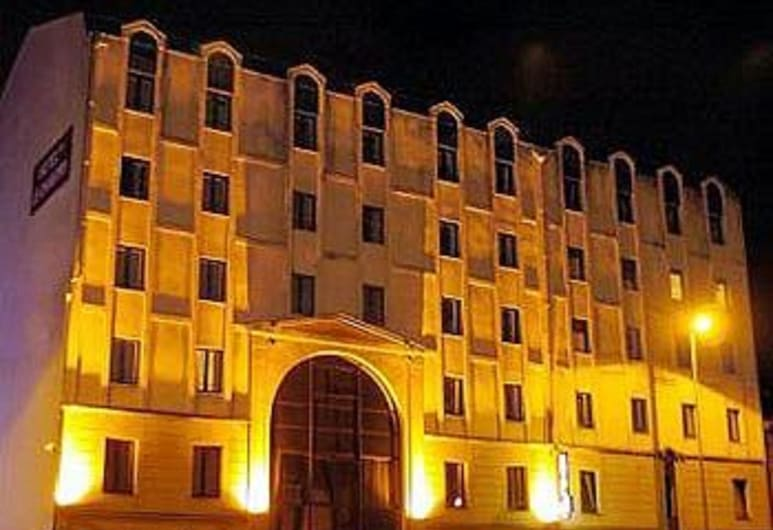 Citotel le Chantry, Bordeaux, Hotel Front – Evening/Night