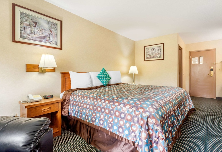 Rodeway Inn, Blair, Standard Room, 1 King Bed, Non Smoking, Guest Room