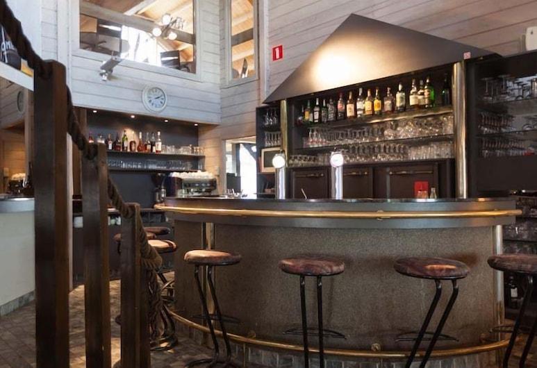 Flanders Lodge Hotel, Ypres, Hotelový bar
