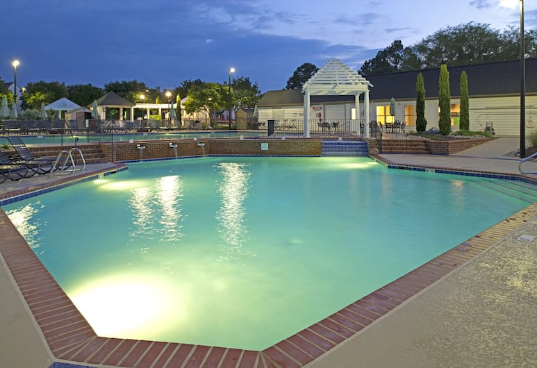The Historic Powhatan Resort by Diamond Resorts, Williamsburg, Outdoor Pool
